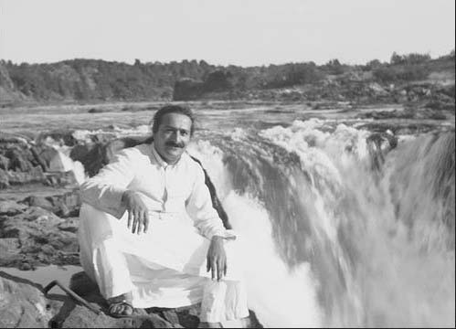 Meher Baba at Marble Rocks water fall - Jabalpur  (India) 1938
