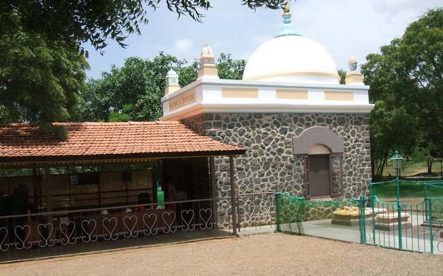Samadhi of Meher Baba (Meherabad) India